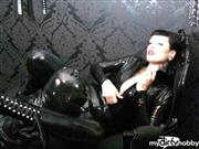 LadyVampira – Wet´n Dirty Rubber Queen