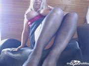 Miss-Busty-MilF – SEXBOMB – extrem nass in Nylons
