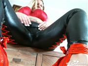 Miss-Busty-MilF – Fuck mich in WetLOOk