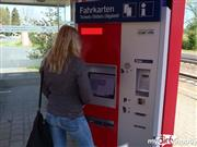 mausi67 – Jeans Piss am Ticket Automat