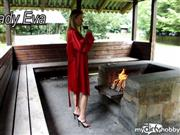 LadyEva – Am Grill in satin