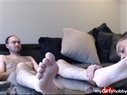 DevonRiderX – Hairy guy gets his toes and nuts licked