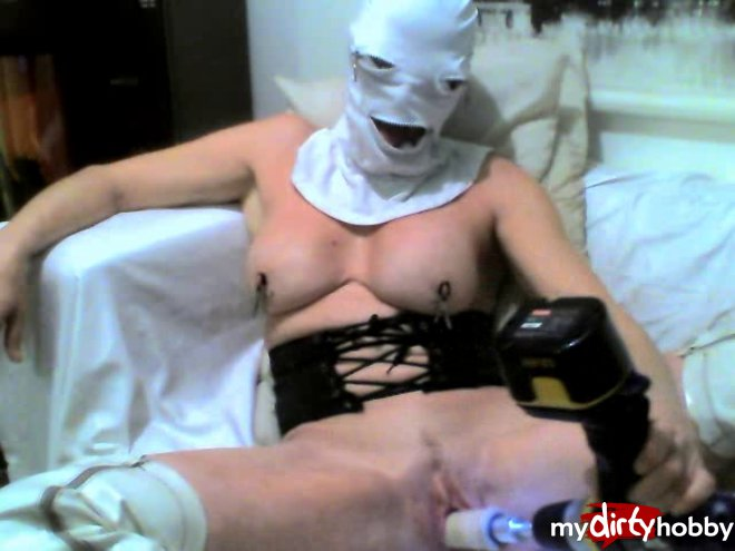 DRIPPINGCUMSLUTX in HAPPY FREAKY HALLOWEEN WITH MY DRILL-DILDO