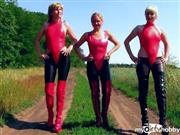 fetishalina – Latex-Girls Outdoor