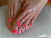 LuxuriousDoll – Foot Massage