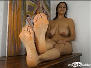 BigBoobsDeria – Why Are You Looking At My Feet