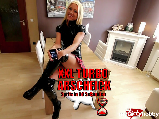 Daynia in Der ultimative XXL Turbo Arschfick!