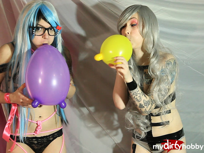 ElLuno in Nerdy girls and balloons