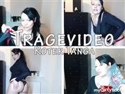 Dominique-Plastique – Tragevideo – roter Tanga