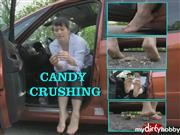 RealesFetishPaar – Crushing Candy