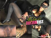 MACHINE-BITCH – NYLON FOTZEN FIST